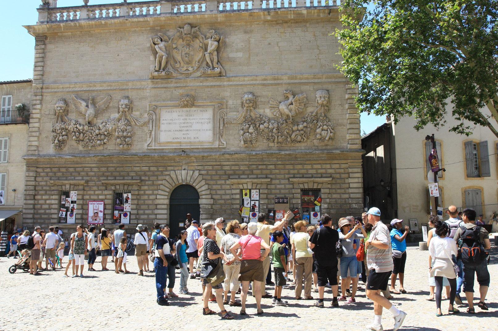 Tour guides in Vaucluse Provence © Hocquel