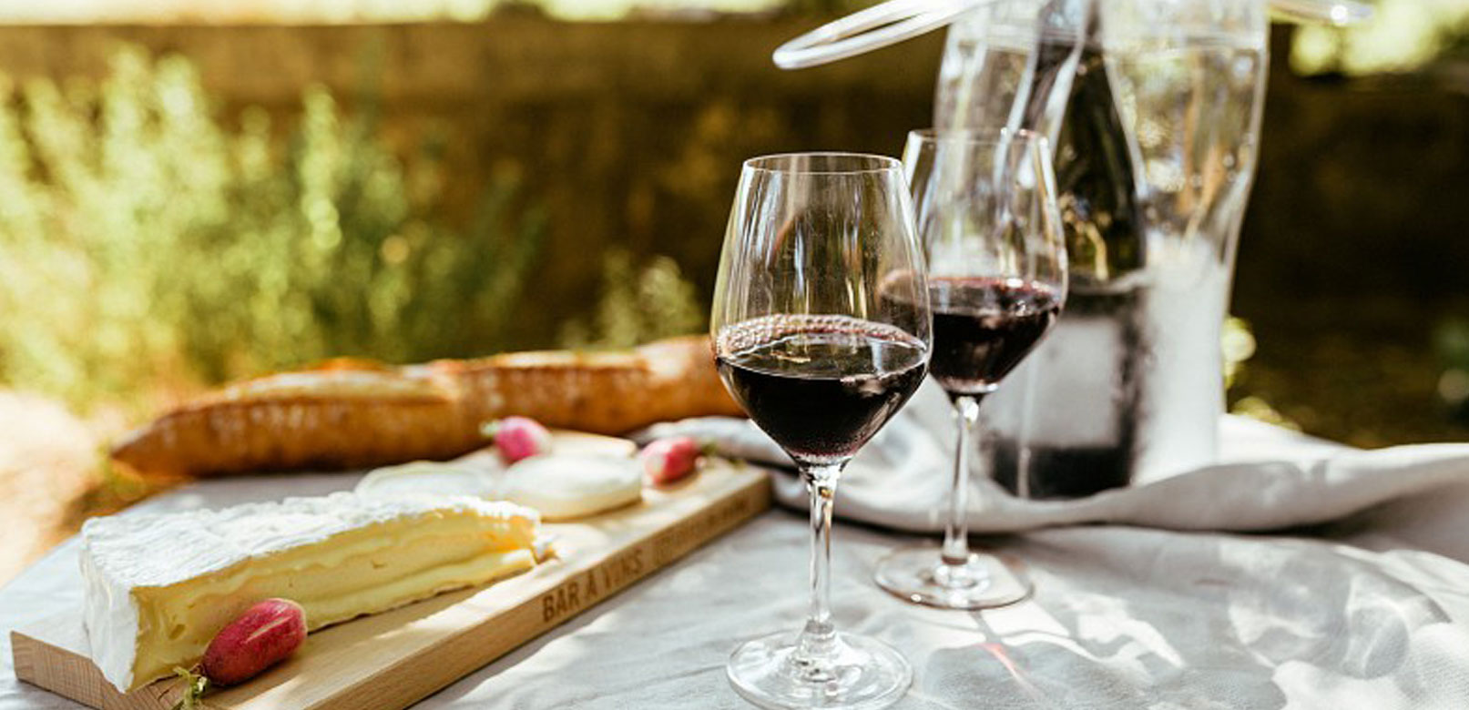 Picnic and dine with a winemaker © Meffre