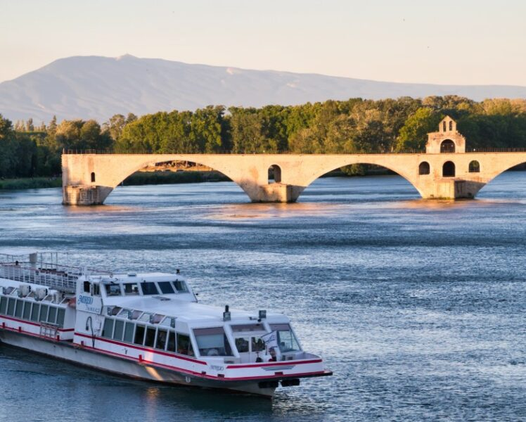 Lunch and dinner cruises on the Rhône River